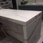 Элегантный стол-из-florim удачно впишется в любой дизайн интерьера.